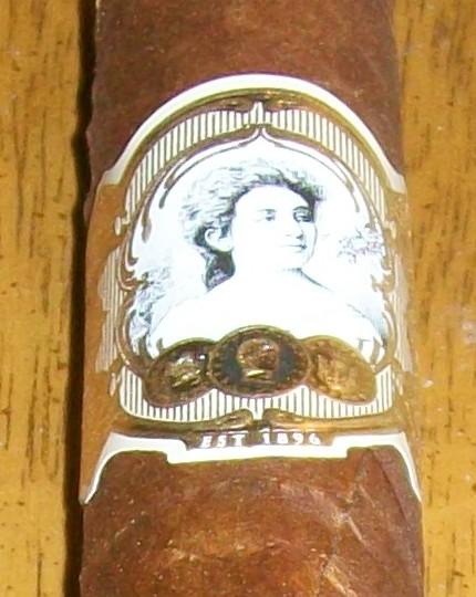 """Cigar Review: La Palina """"The Pasha"""""""