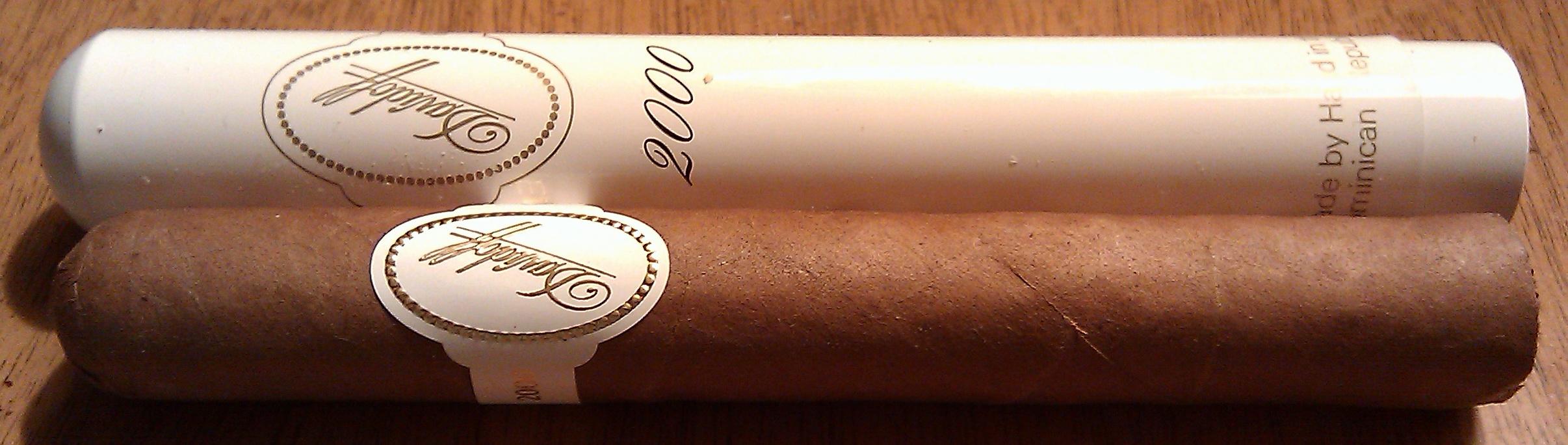 Cigar Review: Davidoff 2000 Tubos