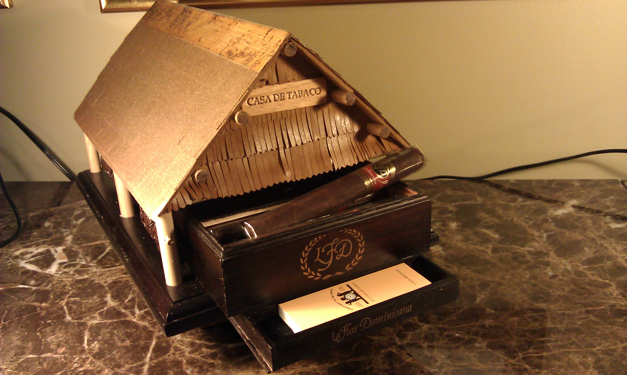 Nat Sherman Hosts Litto Gomez to Launch Casa de Tobacco